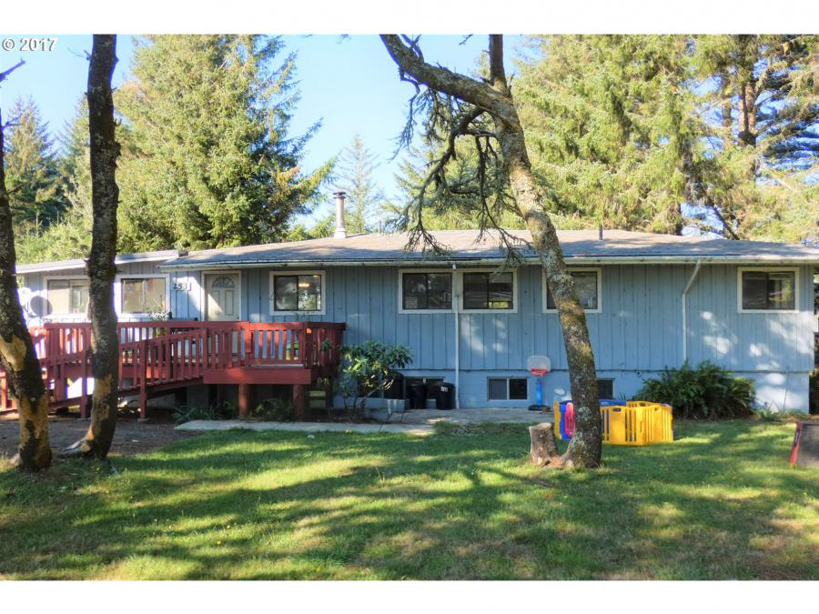 253 Coast Guard Hill RD, Curry County in Curry County, OR 97465 Home for Sale